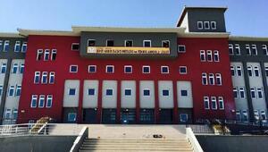 Okulun 4üncü katından atlayan liseli kız, ağır yaralandı