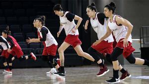 Kadın Basketbol Milli Takımı medya ile buluştu