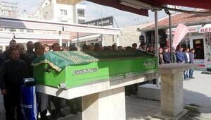 Kazada ölen üniversiteli Sibel, gözyaşlarıyla uğurlandı