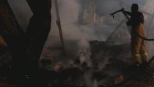 Foça'da patlama sesi ve yangın korkuttu