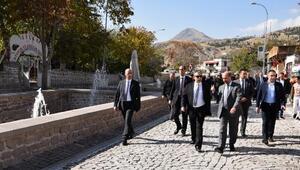 Selçuklu Belediye Başkanı Ahmet Pekyatırmacı, Konya Valisi Cüneyit Orhan Toprak ve beraberindeki heyeti Sillede ağırladı.