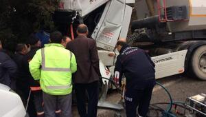Kamyona çarpan TIRdaki 2 kişi yaralandı