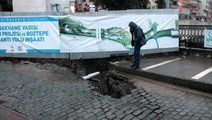 Trabzonda tarihi köprü yakınındaki yol çöktü