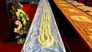 Gurme Fuarı açılışında kurdele yerine 21 metrelik peynir kesildi