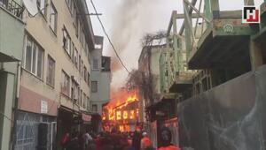 Bursada Tarihi Kayhan Çarşısında yangın