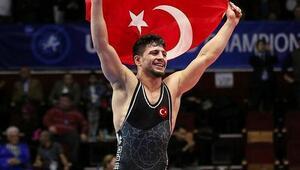 Bakan Kasapoğlundan şampiyon güreşçiye tebrik