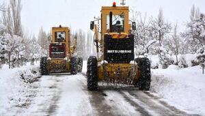 Niğde'de ekipler karla mücadeleye hazır