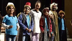 Çocuklar için tiyatro zamanı