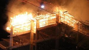 Antalyada inşaat halindeki binada yangın
