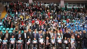 Başarılı gençler Geleneksel 23'üncü Gençlik Şöleni'nde ödüllendirildi