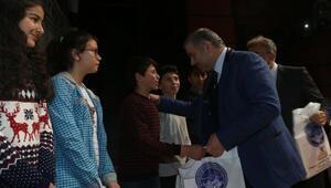 Sınavlara hazırlanan öğrencilere 17 bin yardım kitap dağıtıldı