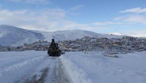 Bayburt'ta karla mücadele sürüyor