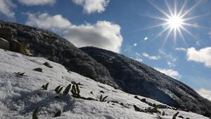 Akdağda kartpostallık kar manzarası