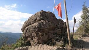 Hz. Alinin Zülfikarla kestiği rivayet edilen kayaya defineciler dadandı