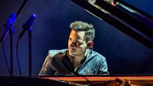 Dünyanın en hızlı piyanisti İzmirde sahne alacak
