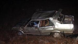 Kütahyada otomobil şarampole devrildi: 1 ölü, 1 yaralı