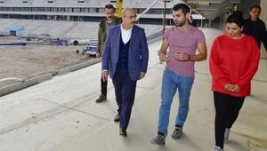 Vali Demirtaş, Şehir Stadyumu'nda inceleme yaptı