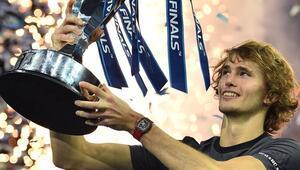 21 yaşındaki Alexander Zverev Djokovici devirerek şampiyon oldu