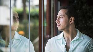 Kendinden emin, sorumluluk sahibi ve elbette yakışıklı: Ali Aksöz