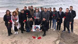 AK Partili gençler Aylan bebeği andı