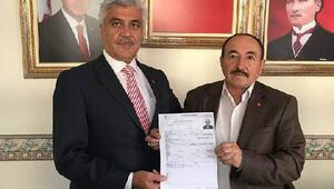 Babası AK Partiden oğlu MHPden belediye başkanı aday adayı oldu