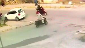 Elektrikli bisikletle akülü engelli aracının çarpıştığı kaza, kamerada