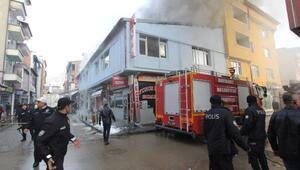 Bayburtta 2 işyeri yandı, 1 kişi dumandan etkilendi