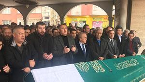 Beşiktaşlılar Gökhan Keskinin babasının cenazesinde buluştu