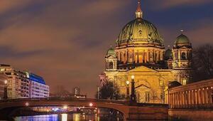 Almanya'nın başkenti neresidir Altın Ayı film festivali nedir