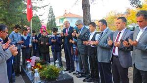 Şehit öğretmen Şenay Aybüke Yalçın, mezarı başında anıldı