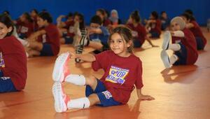 İBB'den 15 bin öğrenciye ücretsiz kış spor okulu