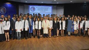 ÇOMÜ Diş Hekimliği Fakültesi öğrencileri önlük giydi