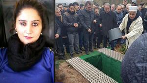 15 bıçakla öldürülen Gülçin'e en kalabalık veda