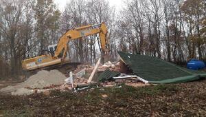 Silivri'de 23 kaçak yapı yıkıldı