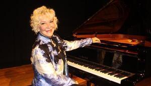 Ünlü piyanistten kadına yönelik şiddetle mücadele konseri