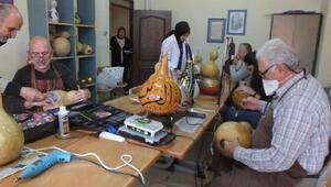 Burhaniye'de su kabakları hediyelik eşyaya dönüşüyor