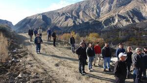Yolları baraj suları altında kalacak köylülerden, yeni yol güzergahına tepki