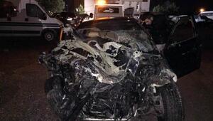 Sivasta kamyonet ile otomobil çarpıştı: 6 yaralı