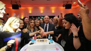 Başkan Yaşar, öğretmenleri yalnız bırakmadı