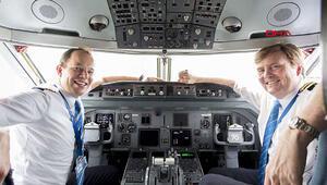 Yolcu uçağını Amsterdamdan İstanbula bir kral getirdi