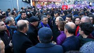Fotoğraflar Ek 3// Taksimdeki kadına şiddet eylemine polis müdahalesi