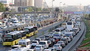 Araç sahiplerini ilgilendiriyor Sayılı günler kaldı: Cezası 715 TL