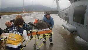 Deniz Kuvvetleri Komutanlığı helikopteri fenalaşan vatandaş için havalandı