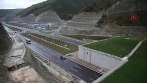 İzmir-İstanbul Otoyolunun Saruhanlı ile Kemalpaşa arası trafiğe açılıyor