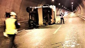 Tünelde TIR devrildi... Ulaşım durdu