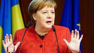 Merkelden Rusyaya sert uyarı