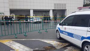 Alışveriş merkezinin otoparkında silahlı saldırı