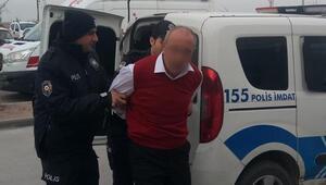 Bir anda ortalık karıştı Polise yumrukla saldırdı