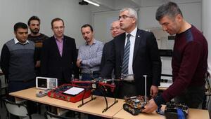SDÜ, her türlü enkazda canlı aramak için örümcek robot yaptı