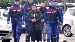 Alman anne ve oğlunun hırsızlığı güvenlik kamerasında